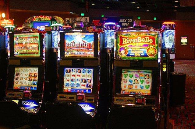 Яркие эмоции в казино Плей Фортуна
