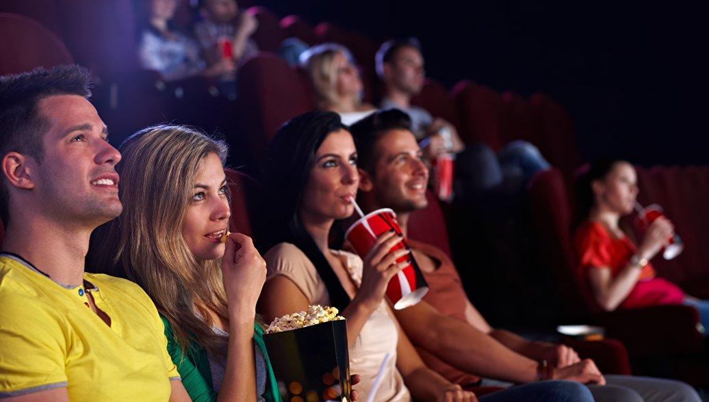 Режиссер назвал причину переноса премьеры комедии