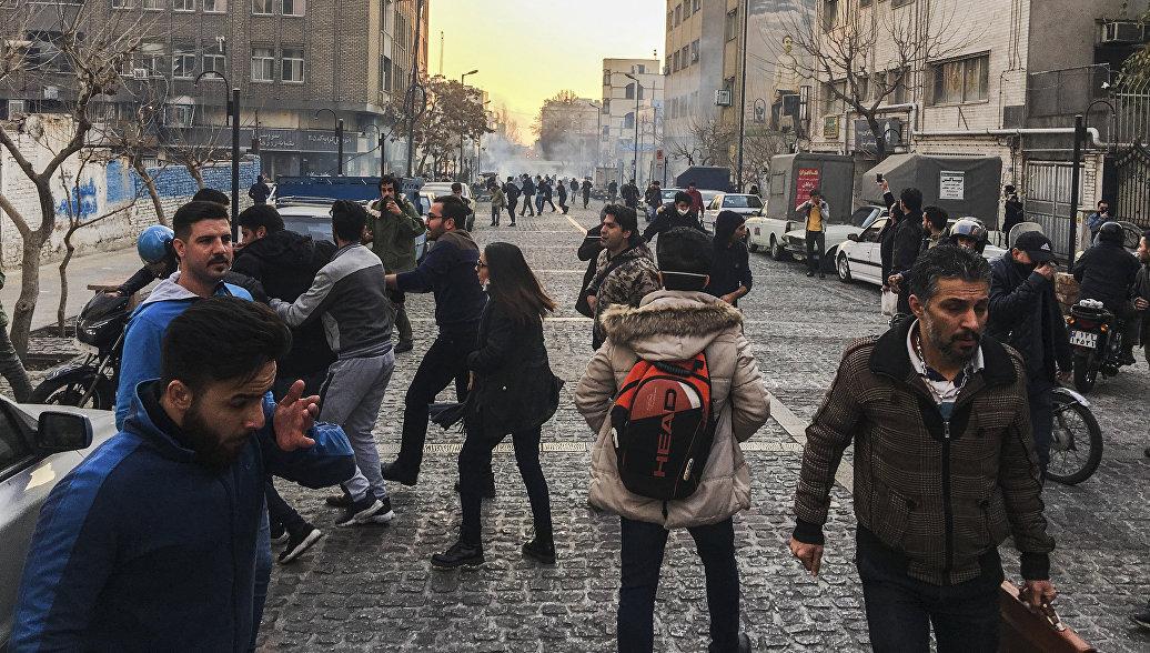 Ростуризм призвал учитывать обстановку в Иране при планировании поездок