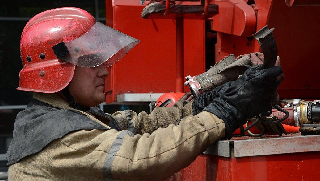 В Петербурге мать с сыном спаслись от пожара, выпрыгнув из окна