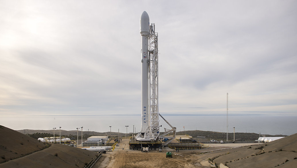 SpaceX неможет протестировать ракету Falcon Heavy из-за политических «разборок»— «Зажали» бюджет