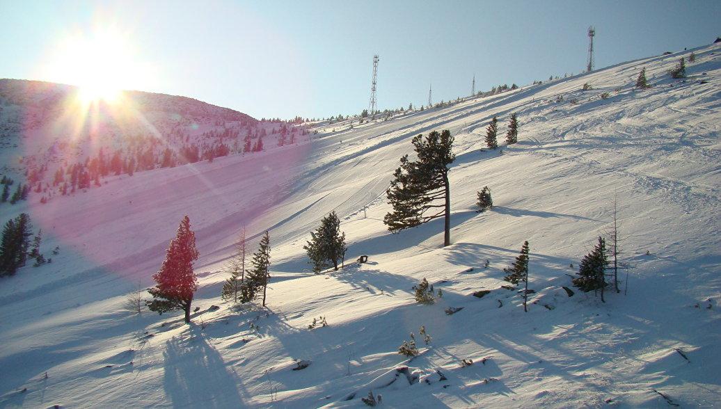Погибшие в Хакасии туристы попали под лавину, катаясь на снегоходах