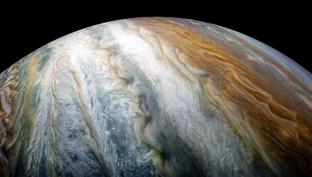 NASA сделало фотографии облачного пояса Юпитера