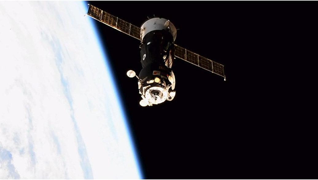 Высоту орбиты полета МКС увеличат для стыковки с