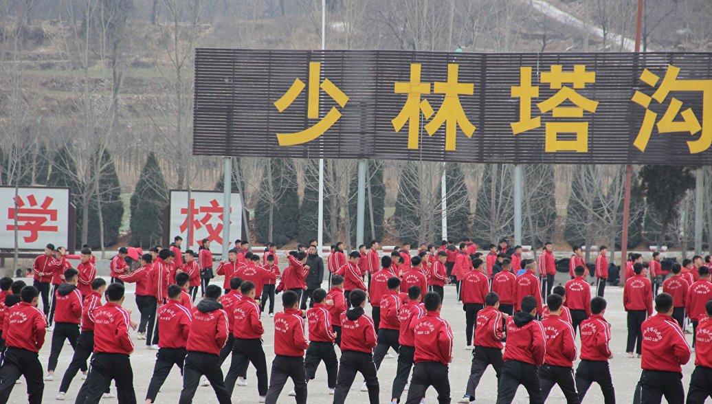 Путь дракона: как живет самая большая в мире школа боевых искусств в Китае