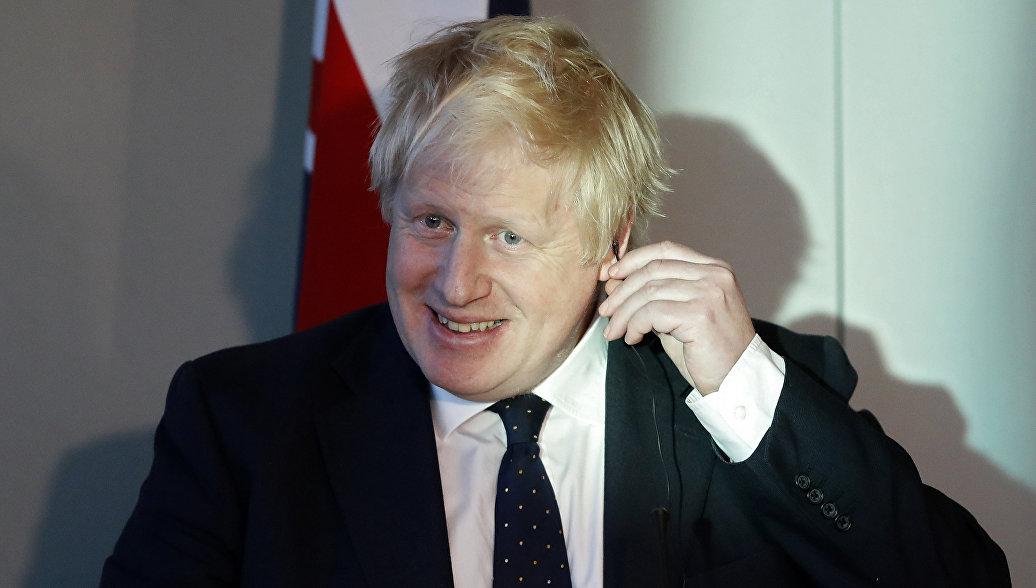 Джонсон сохранил пост при перестановках в правительстве Британии
