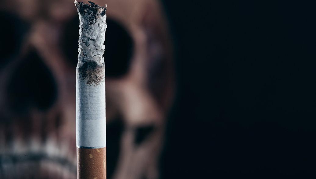Исследователи рассказали, чем опасна даже одна сигарета в день