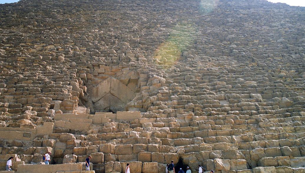 Ученые рассказали, что может скрывать тайная комната в пирамиде Хеопса