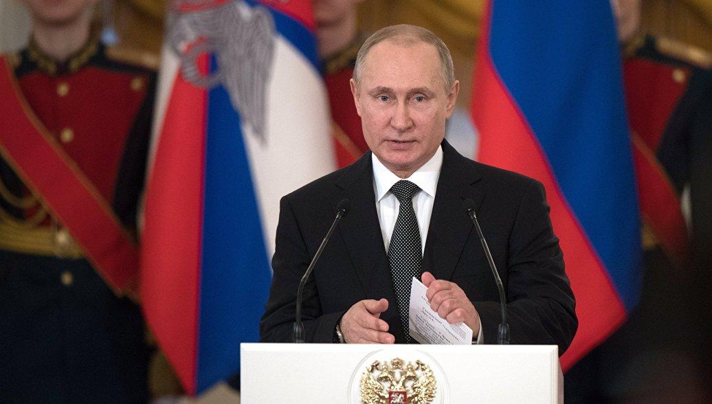 Сильная армия обеспечивает мирное развитие страны, заявил Путин