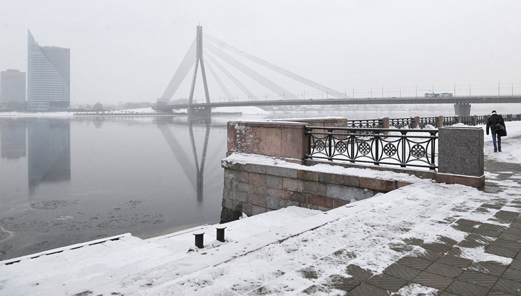 В Латвии глава ЦБ семь часов находится в антикоррупционном бюро