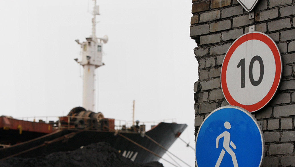 ВМурманске продолжается тушение многоэтажного дома