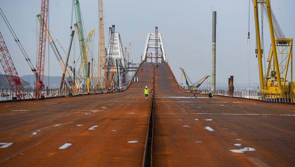 Археологи обнаружили при строительстве моста в Крым миллион артефактов