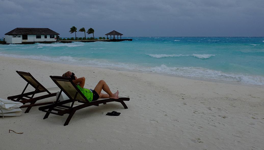 Ситуация на Мальдивах не влияет на отдых российских туристов, заявили в РСТ