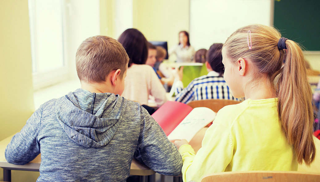 В Петербурге психологи работают с детьми, которым учитель заклеивала рот