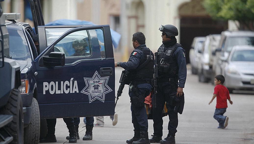 В Мексике два человека погибли при стрельбе рядом с университетом