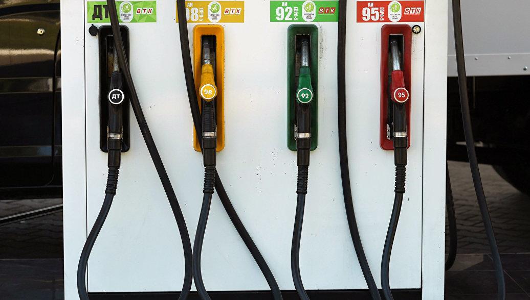 Путин увидел возможность снизить цены на бензин