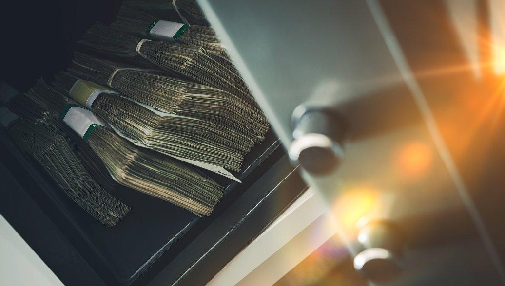 На Камчатке лже-сантехники вынесли из офиса сейф с 10 миллионами рублей