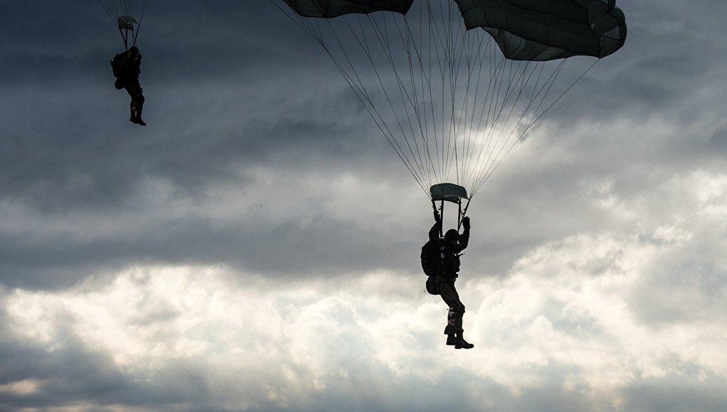 ВДВ получит систему парашютного десантирования боевых машин с людьми внутри