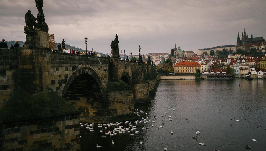 Карлов мост в Праге могут реконструировать 30 лет