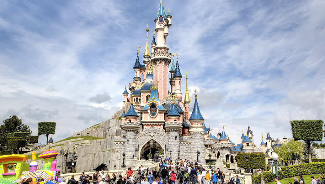 Российские туристы тратят в Диснейленде в 2-3 раза больше европейских