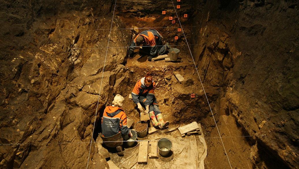 Генетики: предки людей скрещивались с денисовцами не один, а два раза