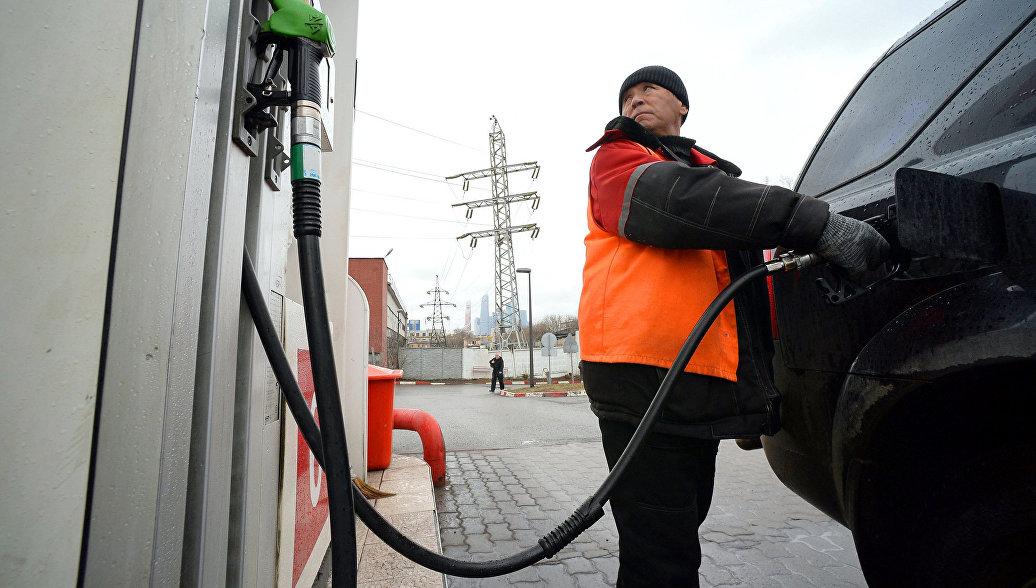 Белоруссия планирует поднять уровень цен на автомобильное топливо до российского