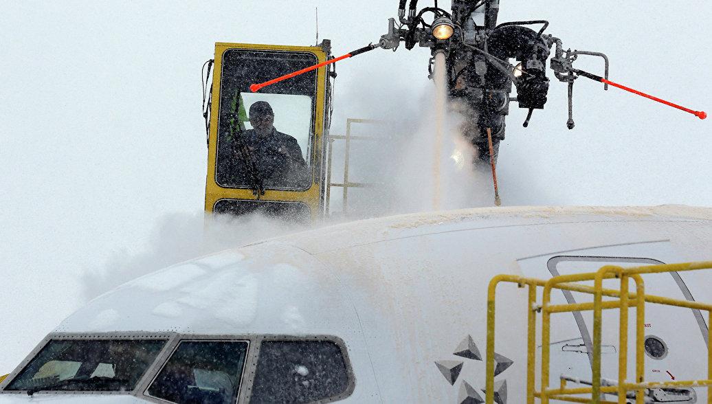 Несколько тысяч авиарейсов отменили из-за снегопадов на северо-востоке США