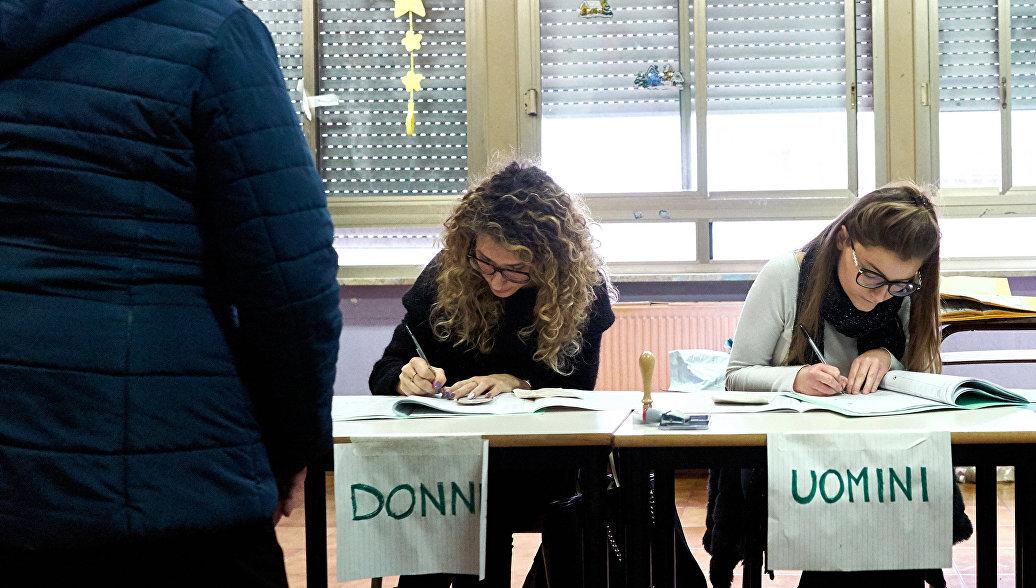 Выходки активисток и длинные очереди: в Италии проходят парламентские выборы