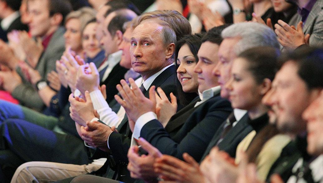 Путин поблагодарил участников КВН за актуальность шуток и талант