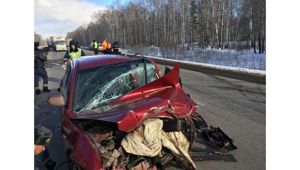 На Урале в ДТП с тремя автомобилями пострадали семь человек