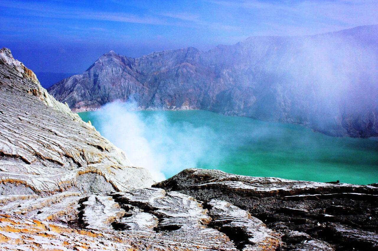 Что посмотреть в Индонезии: вулкан Иджен