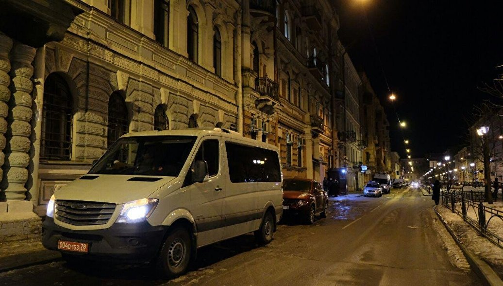 Американские дипломаты покинули здание генконсульства США в Петербурге