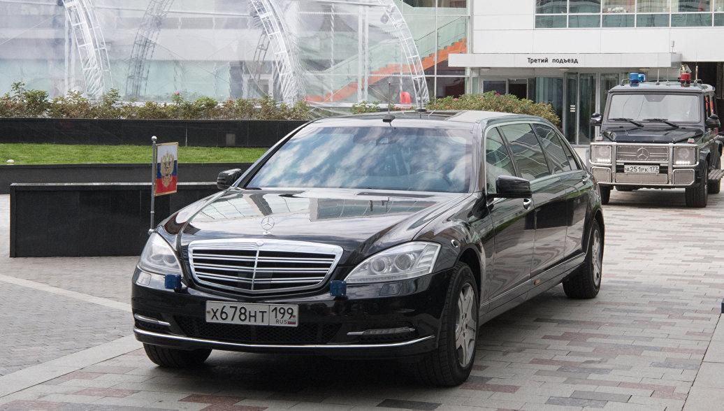 В ФСО опровергли информацию, что автомобиль Путина выставили на продажу