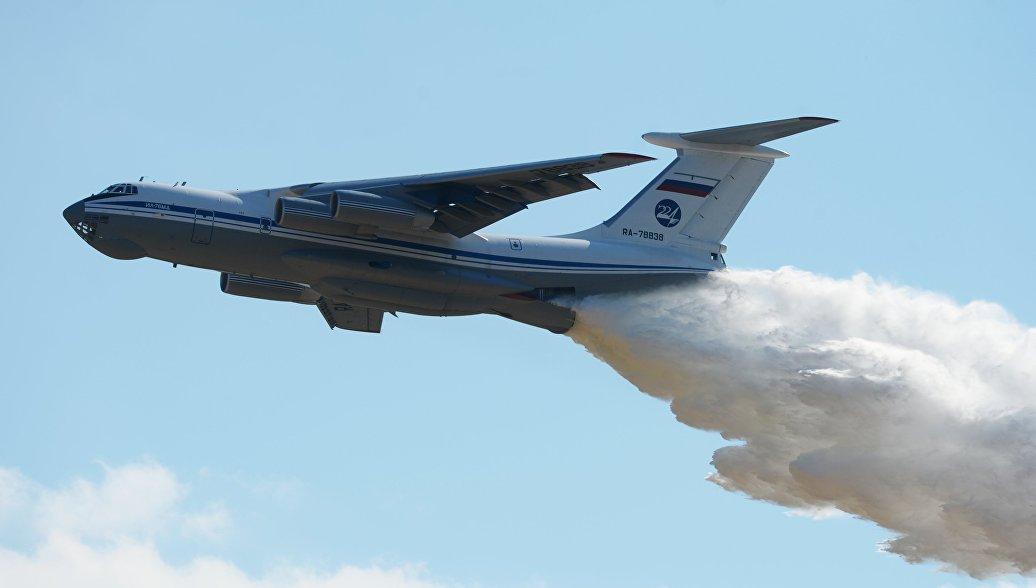 Ил-76 сбросил более 40 тонн воды на очаг пожара в Оренбургской области