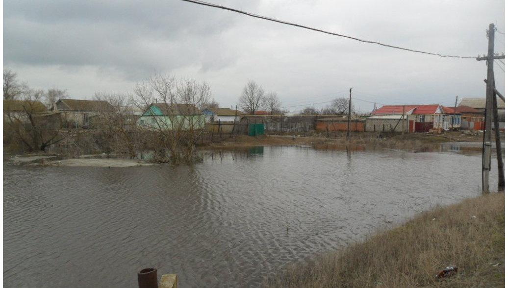 Вода отступила в двух районах Волгоградской области, девять подтоплены