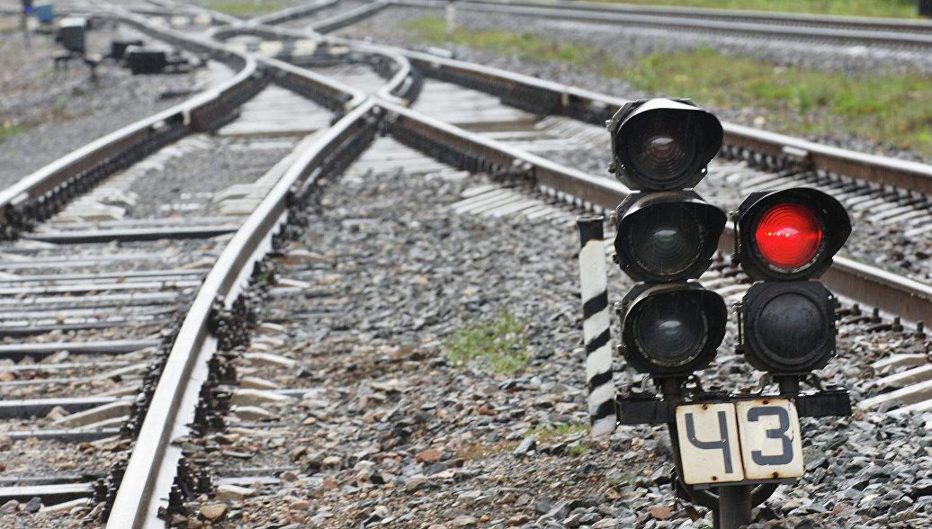 В Волгоградской области грузовые вагоны с цементом сошли с рельсов