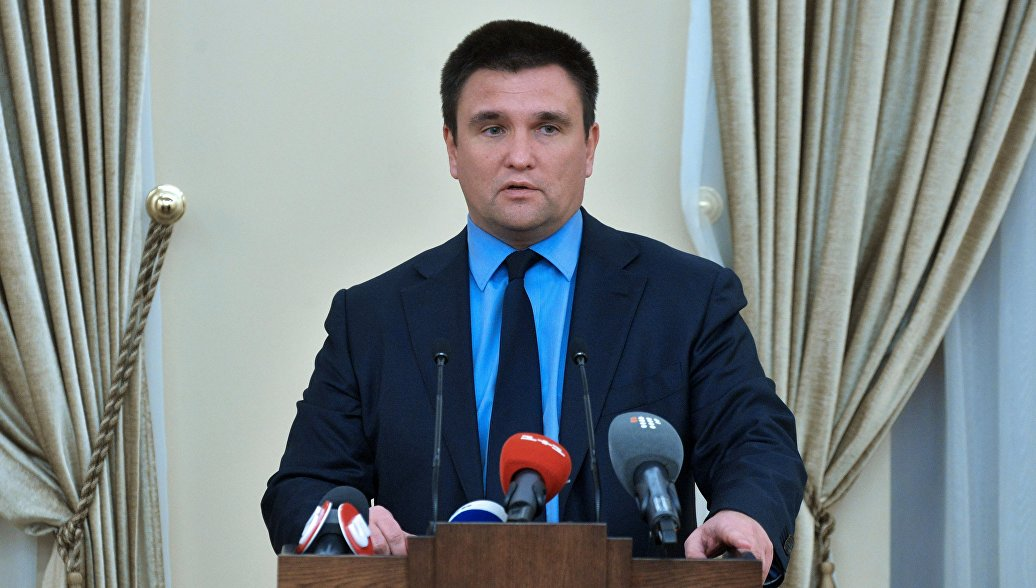 Климкин намерен вернуть живущих в России украинцев на родину