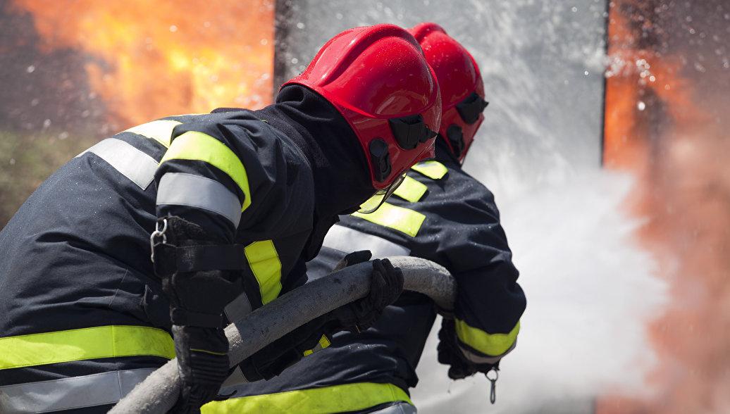 Под Люберцами загорелось здание