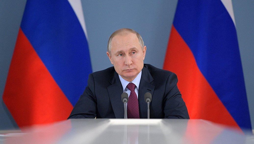 Путин продолжит серию военных совещаний в Сочи