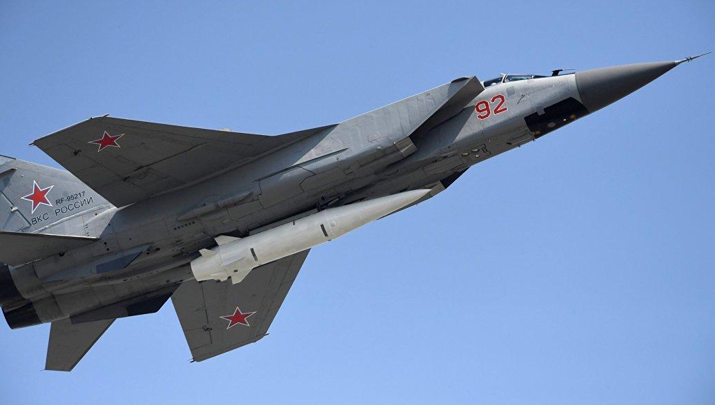 Десять самолетов МиГ-31 с ракетами