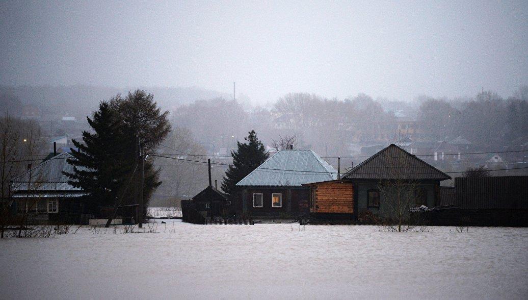 На севере Красноярского края эвакуировали жителей поселка из-за паводка