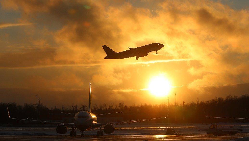Вылетевший из Якутска самолет вернулся из-за технической неисправности