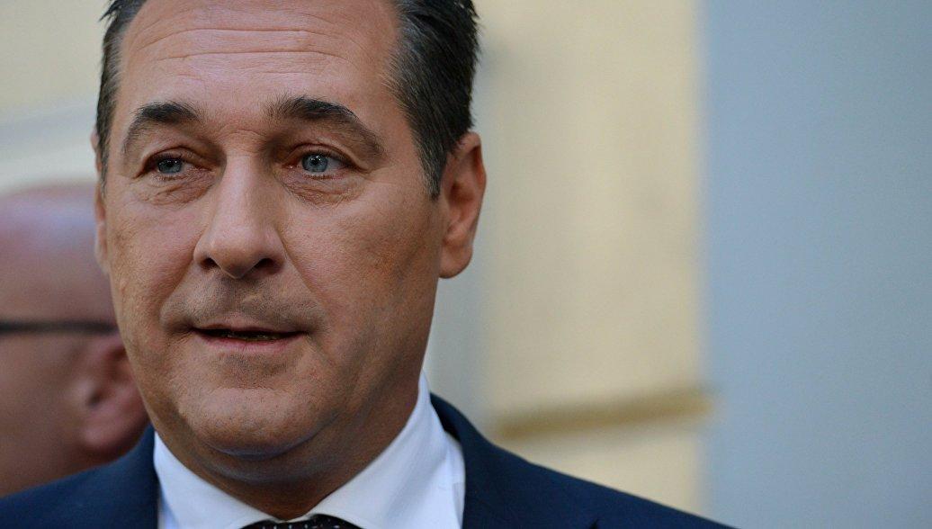 Вице-канцлер Австрии призвал отменить санкции против Москвы