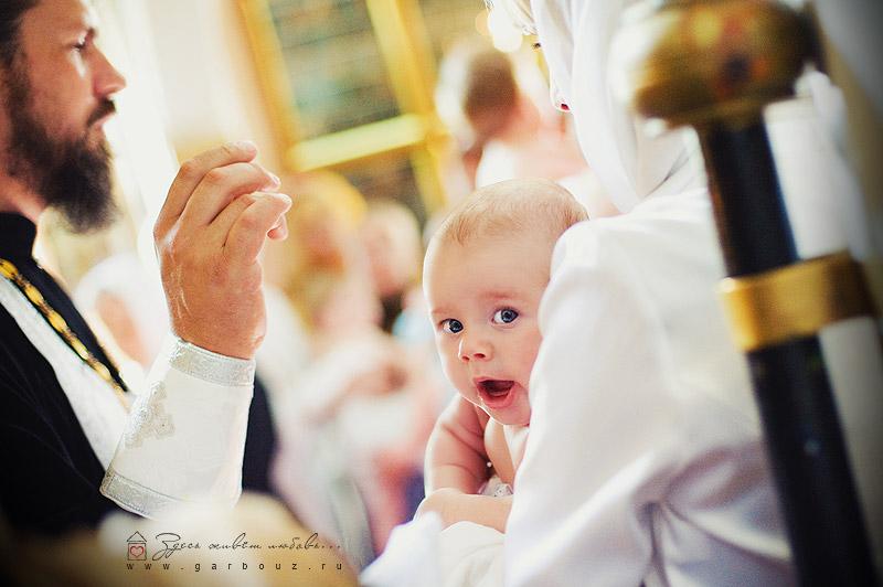 В какой одежде крестят детей