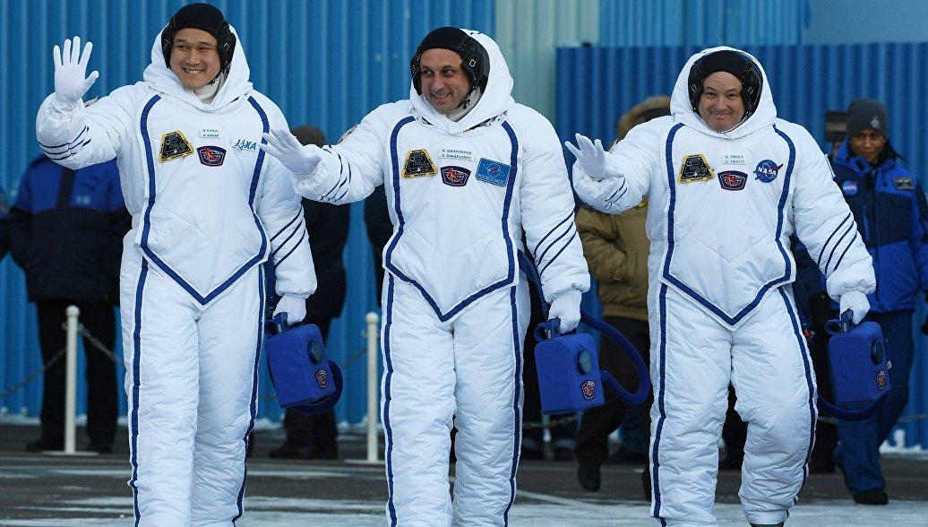 В ЦУП рассказали о самочувствии вернувшихся с МКС космонавтов