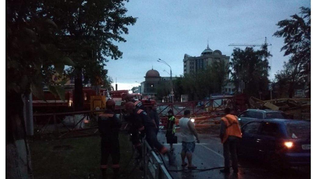 В Барнауле завели дело после столкновения плавучего кафе с опорой моста
