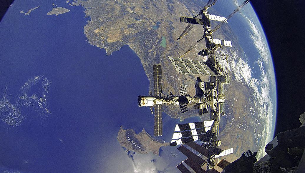Орбиту МКС откорректируют в четверг