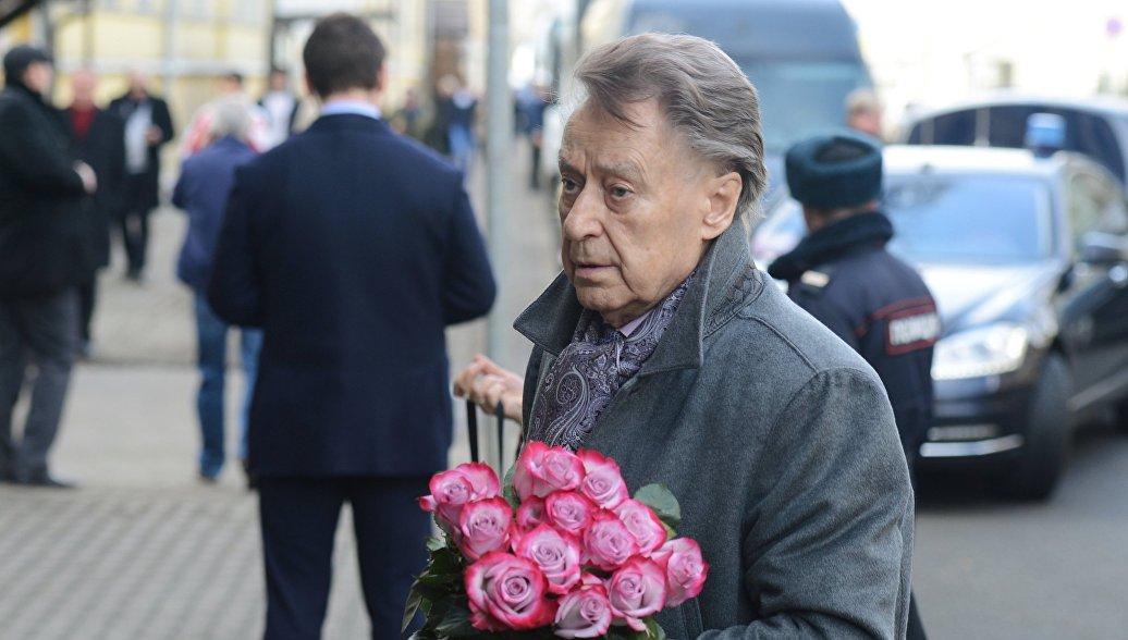 Поэт Дементьев выписался из больницы, сообщила его жена