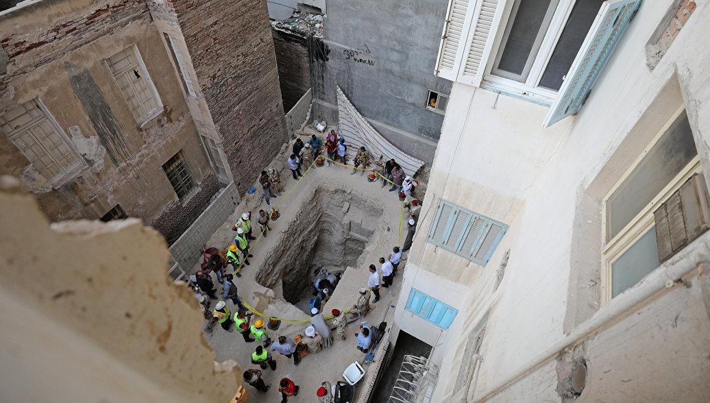Ученый призвал продолжить раскопки на месте обнаружения черного саркофага