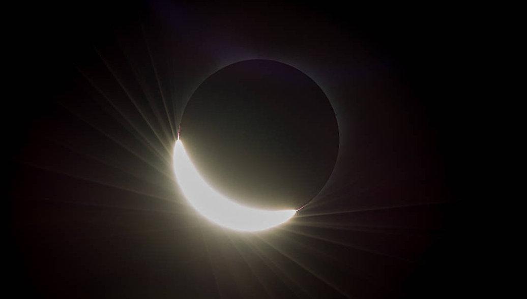 Россияне смогут увидеть самое длительное лунное затмение века